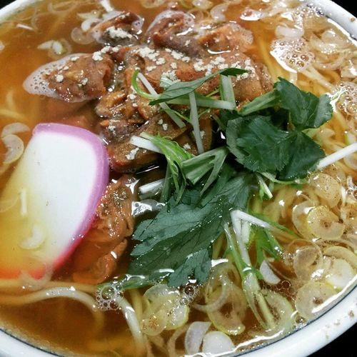日本蕎麦屋でモツ煮ラーメン Lunch Noodles Ramen