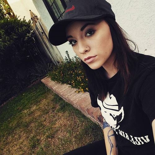 Chillin ... Killin👻👊👻 Model Villainvapors Happy Chillin Spooky Creepy Horror Piercings Hats Girlswithhats AllBlackEverything Grunge Hardcore Girlswithtattoos Tattoos Outdoors Girlswhovape