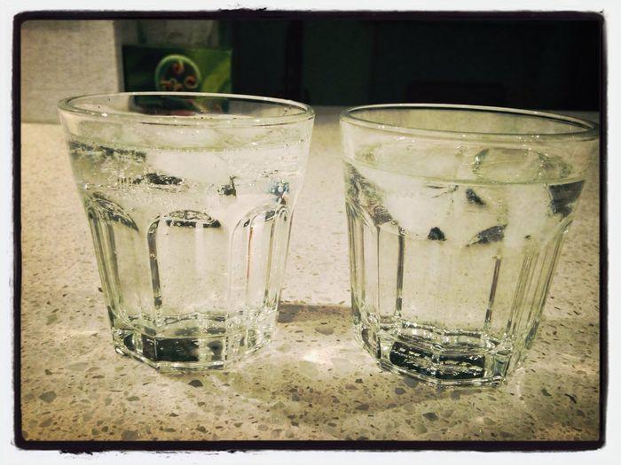 Der 3. Oktober ist für uns so eine Art Familienfeiertag. Darauf ein Eiswasser! Einheitsfamilie