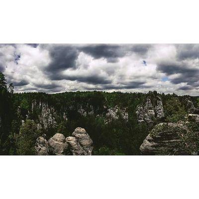 the saxon switzerland from the Bastei. Saxonswitzerland Bastei Rocks Mountains Darkness Landscape Landscapephotographer Landscapephotography Michaellangerfotografie Fotografie Photography Photographyislife Iamthephotographer Iloveit Passion Germany CripixtMovement Rcnocrop Earthshoot Jaworskyj