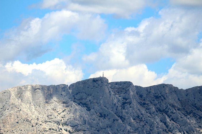 Blue Ciel Nuages Et Ciel Beauty In Nature Cloud Computing Nuage☁️ Ciel Et Nuages Dramatic Sky Sky Cloudscape Montagne Sainte Victoire Montagne Mountain Cloud - Sky Arbres Paysage Panorama Nature Coline Nature Day Outdoors Beauty In Nature No People Scenics