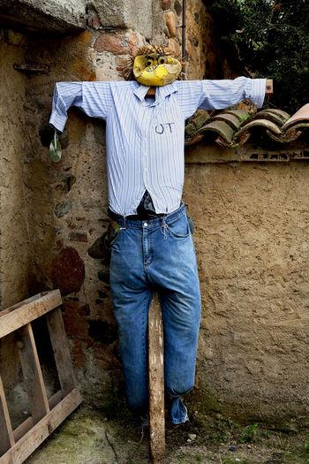 Garden Jeans Outdoors Scare Crow Shirt SPAIN Vertical Symmetry
