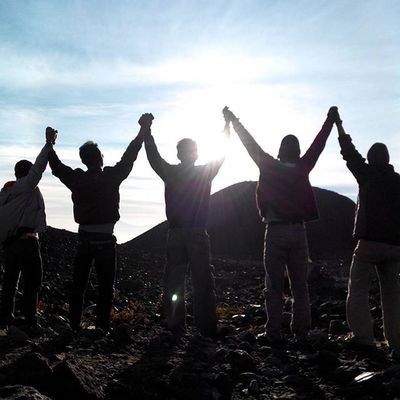 The Sun Warrior lima sekawan, satu perjalanan, satu tujuan.. ------------------------------------ Goodmorning INDONESIA Sunrise Mountain Merapi Volcanoes Hiking Climb Adventure People Pendaki Gunung Summit Emotion Adventure Trip Masl Mdpl