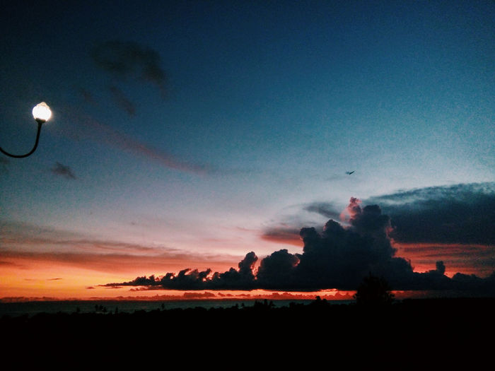 🌅 Sunset Sunset_collection Eym Eym Gallery Eymphotoghaphy Photography Fotography Fotografia Fotografer Celebration Sunrise Photography Candidshot Animals In The Wild Water Nature Sea Day Cloud - Sky Dramatic Sky Fotografy Adventures Christmas Lights Beach Illuminated Relaxation