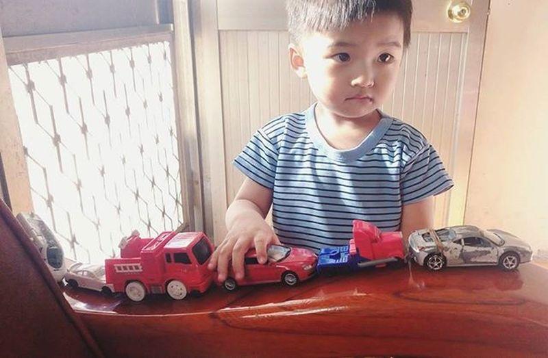 發現孩子王! 男孩 漂亮 漂亮男孩 幸運 Prettyboy Boy Lucky Bestlucky Handsomeboy Car Toy ToyCar Fun Sunnny Sunshin Light Cute Nice Angle