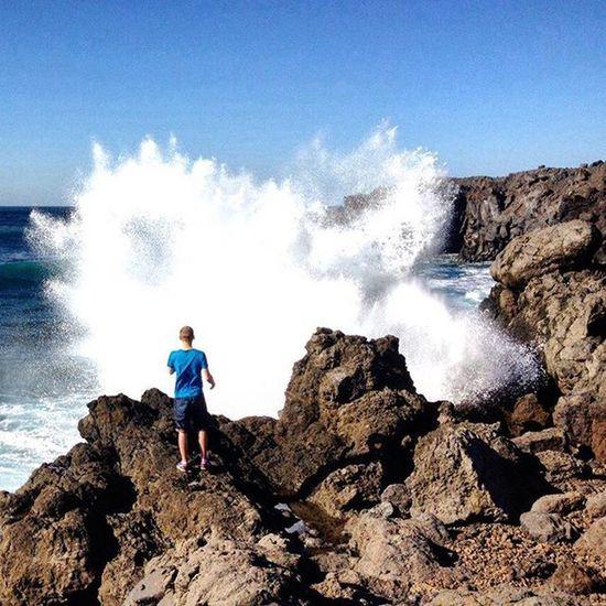 Młody człowiek i może Lanzarote Canaryislands Paradise Winter Waves Sea Bluesky
