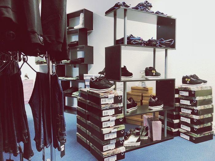 Shop Indoors  Shelf No People Clothes Kleidung Bekleidung Geschäft Schuhe  Shoes ♥