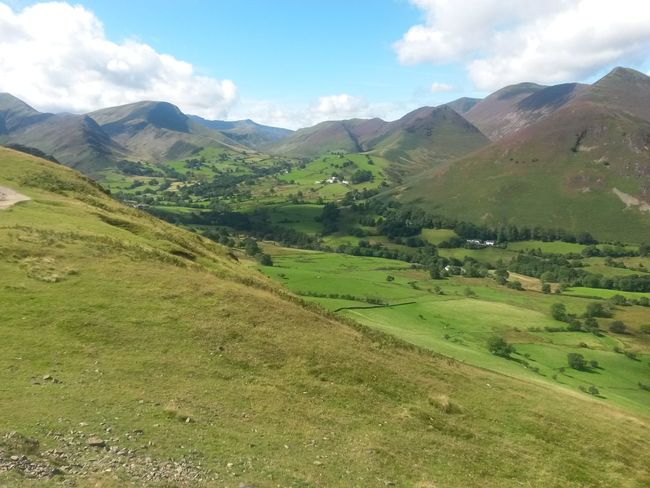 Landscape Mountain Mountain Range Green Color Cloud - Sky Sky ScenicsTravel Destinations The Lake District  Clouds Beauty In Nature Blue Sky, White Clouds Hiking Tranquility Tranquil Scene