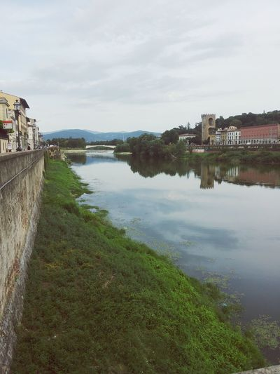 Florence Italy Holiday Tourist Taking Photos Water River Clouds Reflection Eye Em Nature Lover Eye Em Best Shots Eye Em Around The World Eye Em Gallery Eye Em Travel Relax Evening Walk By The River