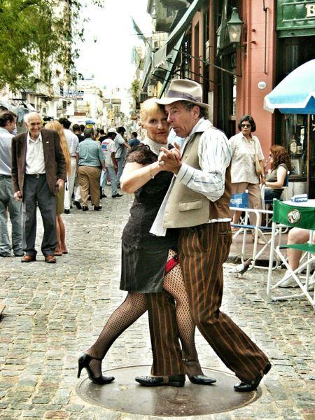 Tango street. Plaza Dorrego. San Telmo, Buenos Aires, Argentina. Unykaphoto Buenos Aires Emblematic Places Buenos Aires Citytour Tango Tango Dancers Tango Couple Buenos Aires Tango