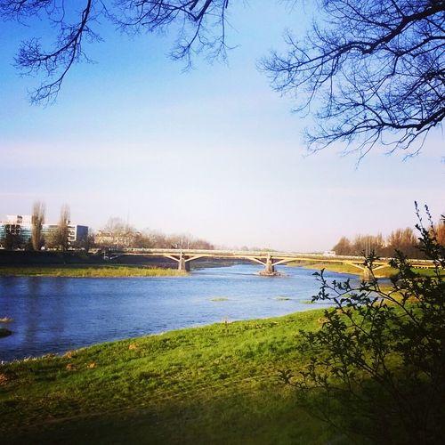 набережная речка Уж транспортный мост Украина♥ ужгород весна красиво
