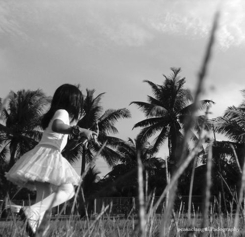 Catch Me If You Can Portrait Black And White Portrait Eyeem Monochrome Eyeem Philippines IPadography