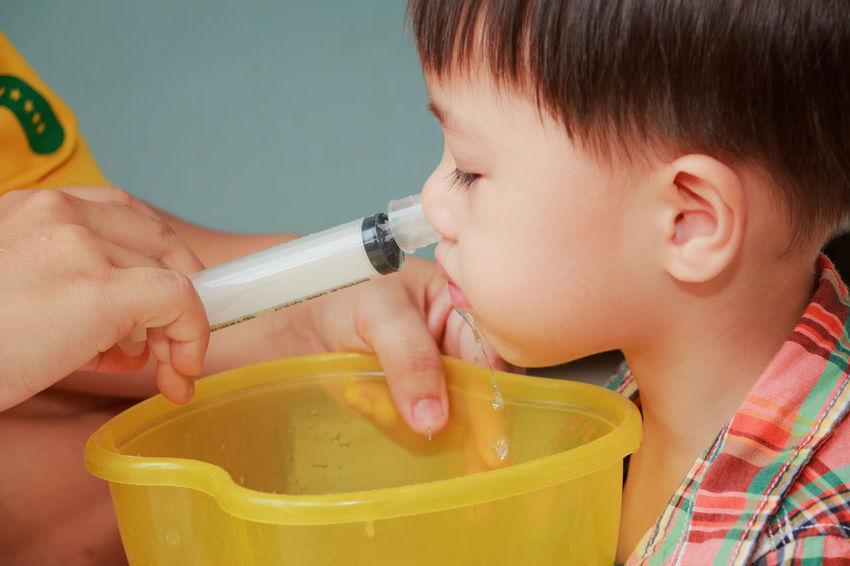 Syringe Nasal Irrigation Irrigation Equipment Sinus Sinusitis Sniff Spay Water Salt Salty Kid Child Baby Nose Medical Sick Ill Healthcare HEAL Health Douche Little Clean Chronic  Sickness Symptom Remedy Childhood Boys
