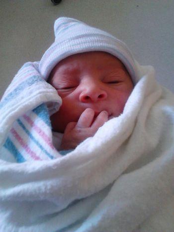 Everybody welkome Ja'Kailon Matthew into da world 2/1/13 . Mii lil nephew !