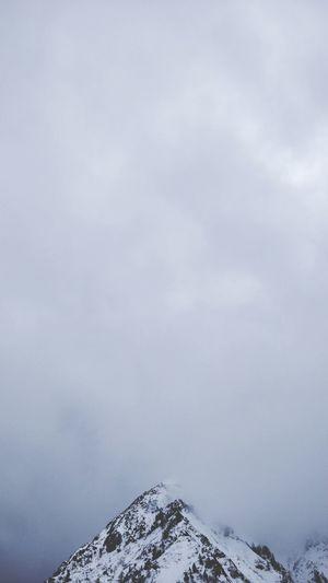 Diamond Peak. Snow Winter Cloud - Sky Cold Temperature No People Landscape Outdoors Nature Mountain Sky