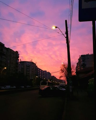 Just a regular morning in Bucharest. This skye!😍 #sky #Skyline #sky #night #photography #water #beach #bucharest #bucharestview #Morning #morning #daylight #photography #streetphotography