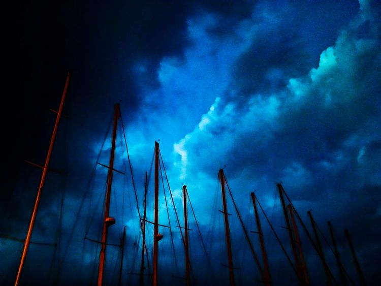 EyeEm Selects Cloud - Sky Sky Night Outdoors Blue Power In Nature No People Nature Low Angle View Boats⛵️ Harbor SkyBeforeRain Whinter Views Whinter Night Barcaavela Boats And Clouds