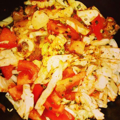 Во гибнет великийкулинар яготовлю томаты помидоры помидоровмногонебывает нужнокакможнобольше pepper paprika паприка кухня ужин готовка жарка овощи мясо пассирование