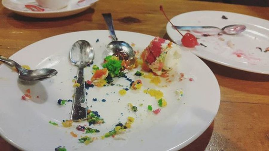 The aftermath of meeting with friends. Throwback Cakes Pastryporn Foodporn Emptyplates Colorful Fun Tasty Eyeemnepal Friends