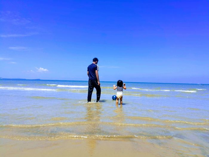 Kids Kids Being Kids TWOKIDS Two Kids Brothers Brother Boys Cuteboy Cute Happiness Bluesky Sky Blue Sky Sand Beach Clear Sky Child Bonding Full Length Sea Togetherness Childhood Beach Sand Family Bonds Wave Children Tide Horizon Over Water Water Sport