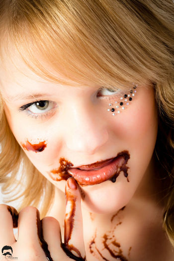 Wanna play with chocolate? Taking Photos Chocolate Sexygirl Girl Model Enjoying Life Sweet Today's Hot Look Candy Delicious