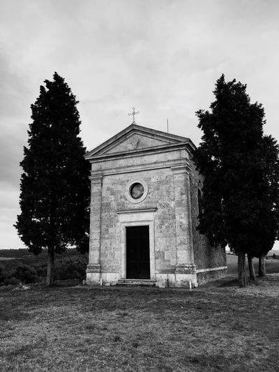 San Quirico D'Orcia Italy❤️ Relaxing Church Toscana Mobile Photography Mobilephotography Italia Italy Enjoying Life Hello World