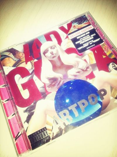 You make my heart STOP. Ladygaga NotsoPopArtPopArt Cd Deluxe
