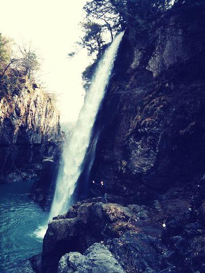 Cascade Waterfall Driving