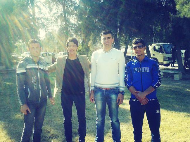 مع احلى الاصدقاء في جامعة القادسية