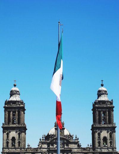 México Traveling Flag City The Architect - 2016 EyeEm Awards Original Experiences
