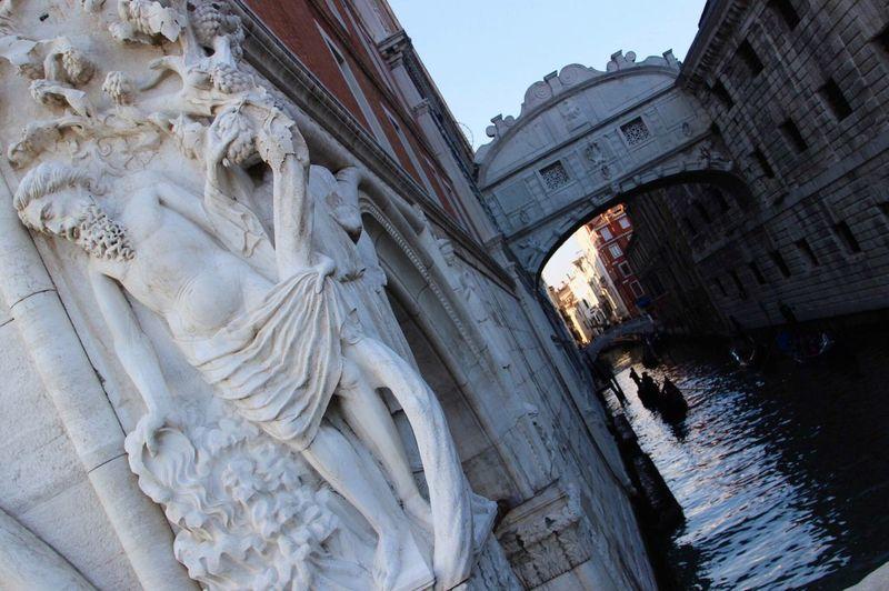 Ponte dei sospiri, Venezia Pontedeisospiri Venezia Venice Italy Art Architecture Water Reflections Gondola Wonderful