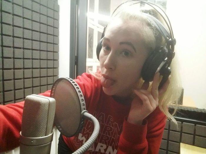 Lovemylife 🎶life🎶 Music Recording Studio Song Love Me Hotgirl Sexygirl Blondie Enjoying Life Pretty Happy Creativity Inspirational Musician Art Singing Girl Young Women City Women Portrait Headshot Window Close-up Headphones
