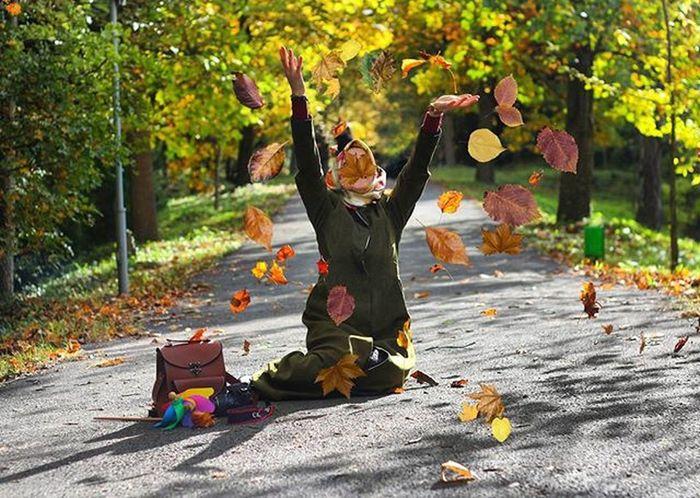 Bir ara gözlerin vardı şehrimde , Sen gittin, Yeşili ondan gitti istanbul'un . . . . Autumn Istanbul Istanbuldayasam Anlatistanbul Viscocam Viscowomen Novemberphotochallenge Nowember Sweet Pretty NaturalBeauty Natural Graandgarden Green Yeşil Sukut S ...