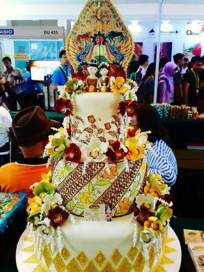 Javanese wedding cake... Cake Taking Photos Check This Out Cake♥ Cake Cake Cake Cake  Cake Time Cakeporn Weddingcake Wedding Cake taken by Samsung Galaxy Grand Prime