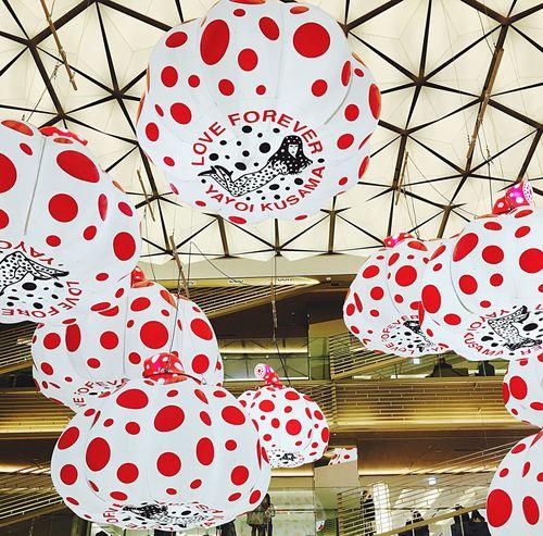 Red Balloon Art Arts Culture And Entertainment Modern Art Japanese Modern Japanese Art Kusama Yayoi Yayoi Kusama 草間彌生 Ginza Ginzasix 銀座 Japanese Culture Japanese Landscape Art Photography ArtWork IPhoneography Iphone6s Japanese Photography Tokyo,Japan