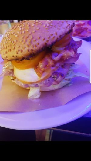 Food Hamburger Meat Chips Crisp Bacon Bread Plate Food And Drink Indoors  Ready-to-eat Freshness Healthy Eating Close-up No People Egg Yolk Day