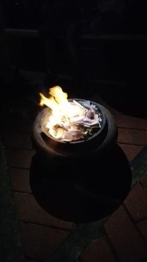 Fuoco🔥 Bruciare Heat - Temperature Diya - Oil Lamp Nightphotography Eye Em!Litterature EyeEm Nature Lovers Cold Temperature COLDPLAY ♥ Write Write Me Lampe