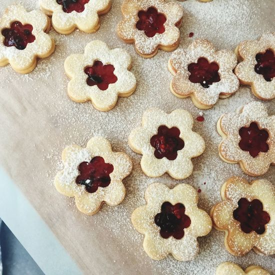 Indulgence Sweet Food Dessert Powdered Sugar Christmas Ready-to-eat Christmas Ornament Food Gifts Celebration Christmas Dessert Dessertphotography Dessert Time! SimpleCooking Foodphotography SugarCookies Sugarcookies Project Sweet Treats  Homemade Cookies Marmelade Rasberries Butter Cookies