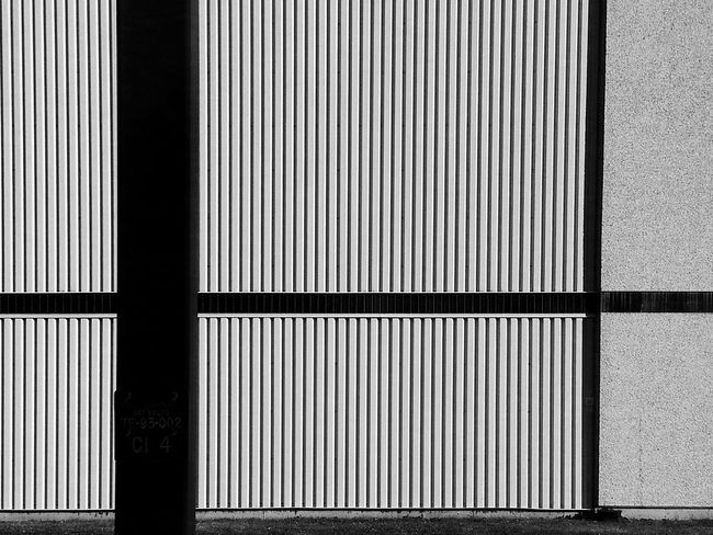 Wall lining... Less Is More ! for Bnw_friday_eyeemchallenge Stripes Straight Lines Vertical Horizontal Pattern Pieces Wall Sections Geometric Architecture Patterns Stripes Lines And Angles Minimalist EyeEm Best Shots - Architecture The Architect - 2016 EyeEm Awards My Favorite Photo Your Design Story The Architect- 2016 Eyeem Awards Fine Art Photography Monochrome Photography Maximum Closeness Minimalist Architecture Welcome To Black ミーノー!! Black And White Friday See The Light The Graphic City