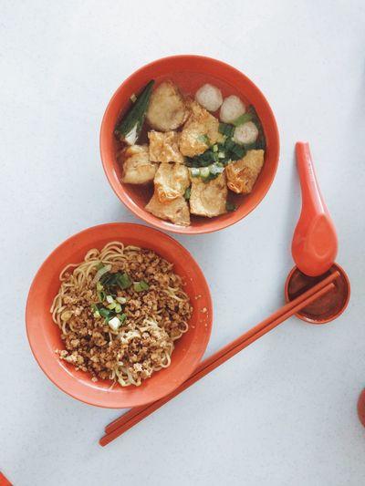 午餐-客家麵、釀豆腐 Food And Drink Bowl Food Freshness Healthy Eating No People Leaf Indoors  Ready-to-eat Close-up Malaysian Food Noodles Yummy♡ Yong Tau Foo Food Photography Local Food
