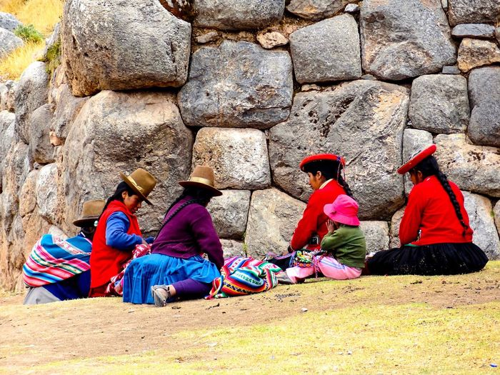 Cuzco-Perú Togetherness Sitting Local Life Knitting Travel Photography Rickeherbertphotography Sacsayhuaman Rock - Object Ruins Architecture Ancient Civilization The Portraitist - 2017 EyeEm Awards