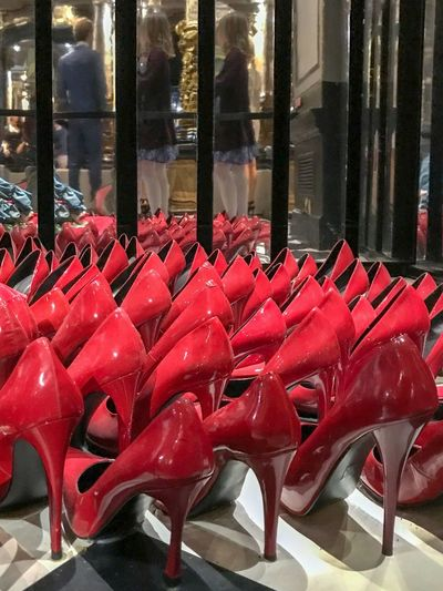Stiletto heel collection 😀 Musée Grévin - Paris - France France Paris Musée Grévin Museum Moment Mirror Red Red In A Row Side By Side Arts Culture And Entertainment Shoe Large Group Of Objects Order