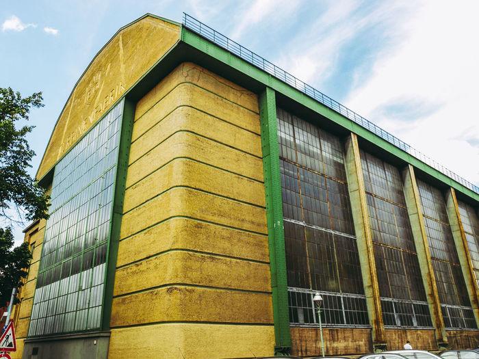 AEG Turbinenfabrik in Berlin AEG Architecture Berlin Deutschland Industrial Modern Rationalism Aeg Turbinenfabrik Architecture Behrens Building Exterior Germany Turbinenfabrik