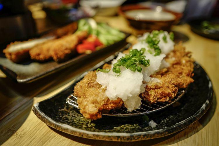oroshi tonkatsu EyeEm Selects EyeEmNewHere From My Point Of View Shadows & Lights Beautiful Discoverhongkong Macro Foodporn Japanese Food Deepfried Weekend Cityscape Art Is Everywhere Lifestyles