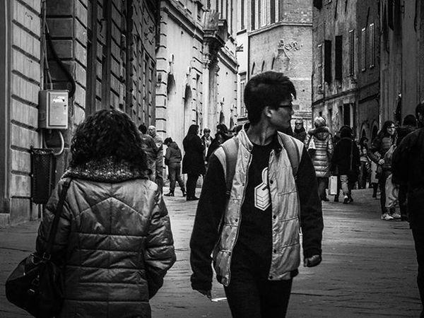 🌟 Find Away 🌟 Buenasnoches Goodnight BuonaNotte Bw Blackandwhite Bnw Monochrome Picoftheday Photooftheday Instagood Bw_lover Bnw_captures Streetphoto Bnw_society Bwphotography Bw_society Toscana Tuscany Italy Italia Firenze Igerstoscana Florence Siena Igersitalia pisa lucca landscape livorno igersfirenze