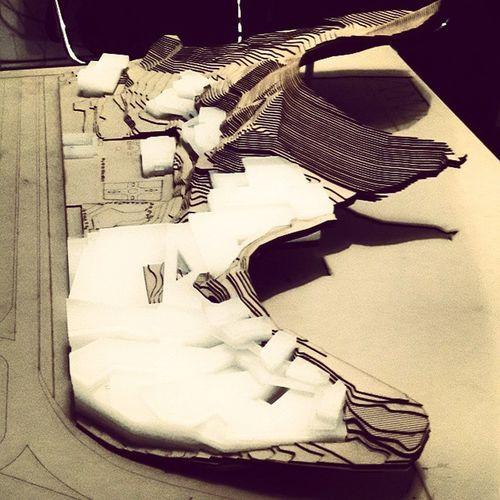 New Architecture LandscapeArchitecture Model for our new Design Project Charette Charettenight ماکت معماری معماری منظر عاشق این هستم که یک شب مثل گذشته فرصت داشته باشم که کار کنم و حس معمار بودن رو در خودم زنده نگه دارم یک شب شارت عالی با مریم, سنا, هاله @mymyousefi @halehazad