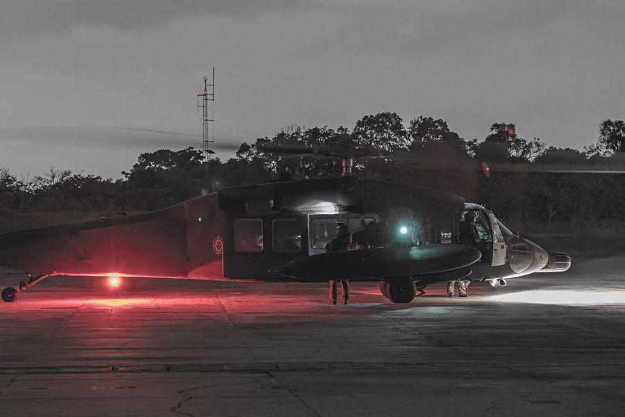 🦉 Canon Night Lights Nightphotography Night Vision Brasil Army Aviation Army Aviation Aircraft Photography Aircraft Blackhawk Sky