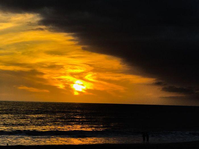 Se viene la tormenta !!! Playa♡ Sky Sunset Water Sea Scenics - Nature Beauty In Nature Cloud - Sky