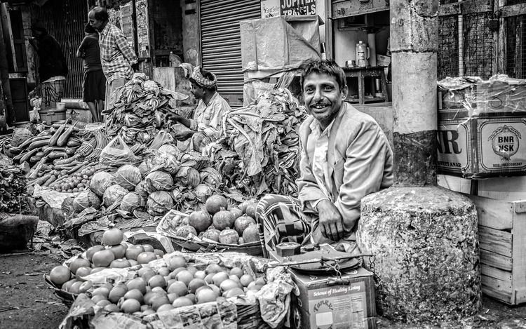 Adult Day Happy India Kolkata Men One Man Only One Person One Senior Man Only Only Men Outdoors People Portrait Real People Seller Senior Adult Senior Men Street Vendor Streetphotography Vegetable Market
