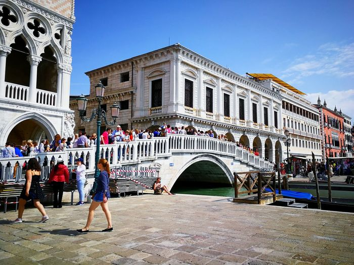 Bridge City Politics And Government Gondola - Traditional Boat Clock Face Arch History Arts Culture And Entertainment Sky Architecture Building Exterior Town Square Palace Town Hall Place Of Interest Neo-classical City Gate Museum Monument Old Town Architectural Column Fountain Statue Sculpture